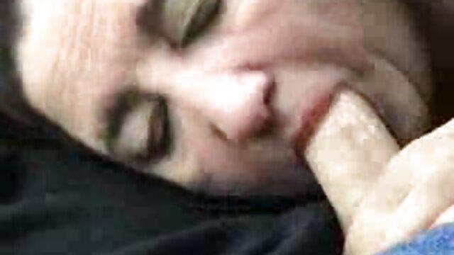 باج خواهی از یک دختر جسور باعث لعنتی سکس فرزند مادر او می شود