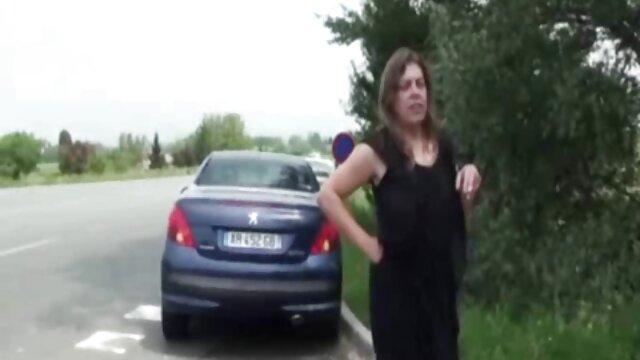 پسر ریش دار برادر ناتنی اش را لعنتی کرد و فیلمبرداری کرد اموزش سکس توسط مادر