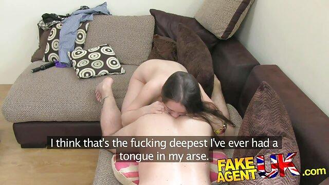 پیرمردی پول می پردازد و به فیلم سکسی داستانی مامان شرکای جنسی می پیوندد