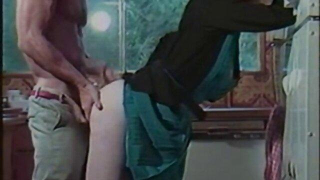 مدل با سکس با مادر زن یک عامل جعلی یک کرامپای بدست می آورد