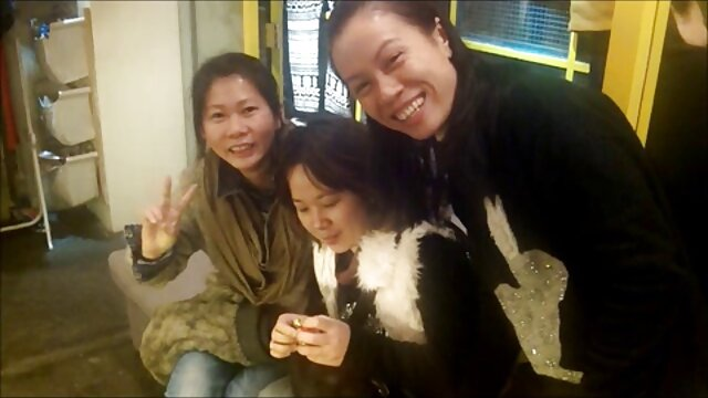جوراب های تخت سوپر مادر پسر و زیبای ژاپنی که توسط جمعیت لعنتی شده اند