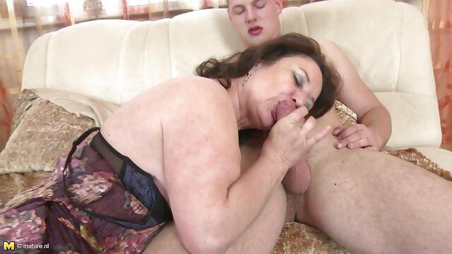 زنانی که از ته خیره کننده برخوردار هستند لباس های تنگ را امتحان فیلم سکسی مادر در خواب می کنند