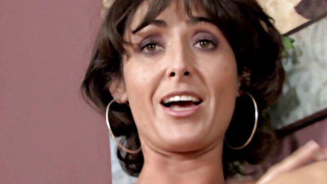 زیبایی بیدمشک در جشن دانلود فیلم سکسی مادر بزرگ تولد سخت لعنتی