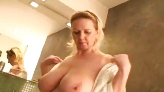 مدل استمنا hat کلاه برهنه با گوزن صورتی مادر شهوتی است