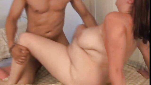 بور با جوراب ساق بلند در شبکه های بزرگ فیلم سکسی مادر زن 1 پسر را از بین می برد و کلاه خود را می گیرد