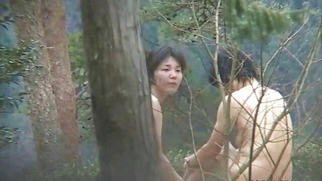 Proshmandovka در فیلم سکسی مادر در خواب مقعد لعنتی می شود و یک خروس بزرگ را می بلعد